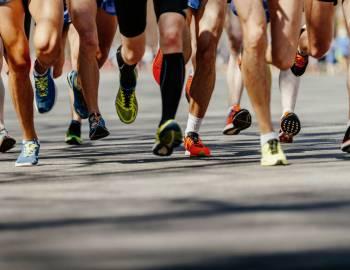 marathon runners ready to go